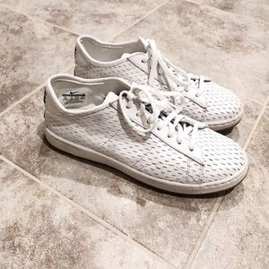 Nike white leather casual sneakers shoes s…